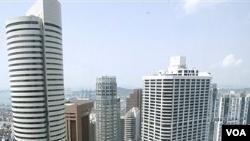 Pemerintah Singapura menerapkan Undang-Undang Keamanan Dalam Negeri yang ketat.