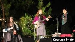 VOCO live at the Polish Plantation, Los Angeles, CA (Photo: Simone McSparran)