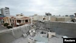 ພາບຫລັງຄາທີ່ຖືກທໍາລາຍ ຫລັງຈາກຈະຫລວດຍິງໃສ່ ໃນ ແລະເຂດອ້ອມແອ້ມສະໜາມບິນ Irbil ໃນເມືອງເອີບີລ ຂອງອີຣັກ ໃນວັນທີ 16 ກຸມພາ 2021