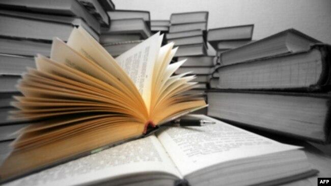 Ðiển phạm: Một trung tâm của lịch sử và phê bình văn học (1)