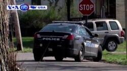 Cảnh sát Mỹ truy tìm kẻ giết người rồi khoe lên Facebook (VOA60)