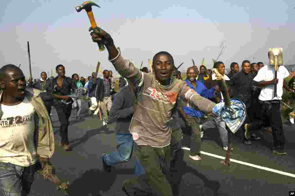 Des xénophobes s'attaquent à des immigrants en République sud-afriacine.