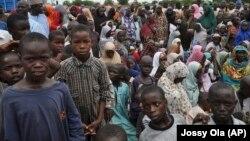 Wasu cikin 'yan gudun hijira dake Borno