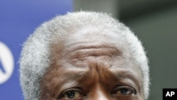 Đặc sứ hòa bình quốc tế Kofi Annan phát biểu với báo giới sau cuộc họp với đại diện của phe đối lập Hội đồng Quốc gia Syria, tại Ankara, Thổ Nhĩ Kỳ, ngày 13/3/2012