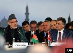 Qo'shnilar va yirik davlatlar yordamisiz oyoqqa tura olmaymiz, deydi afg'on rahbari Hamid Karzay