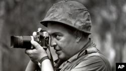Nhiếp ảnh gia Đức Horst Faas tường trình về cuộc Chiến Tranh Việt Nam năm 1965