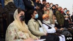 پی ڈی ایم نے ملک کے مختلف شہروں میں حکومت مخالف جلسے بھی کیے تھے۔