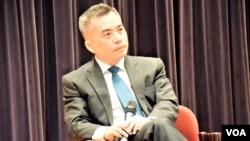 香港前律政司司長黃仁龍。(美國之音湯惠芸)
