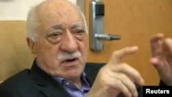 فتح الله گولن ادعای اردوغان را دروغین و دولت منتخب ترکیه را محترم خوانده است.