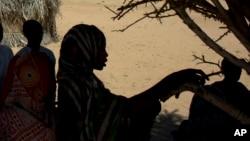 Dans l'ouest du Tchad, des dizaines de milliers de réfugiés vont être isolés par la saison des pluies, avertit le HCR