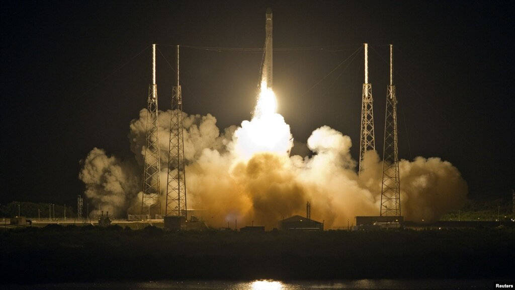 Private Spacecraft Heads to ISS