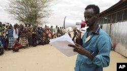 Người tị nạn Somali được gọi tên để đăng ký tại một trại tị nạn ở khu vực đông nam vùng Dollo Ado ở Ethiopia.