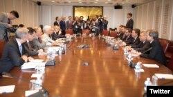 Con la promesa del FMI de procesar en forma expedita el pedido de préstamo de Argentina, culminaron dos días de reuniones de funcionarios argentinos en Washington.