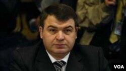 Menteri Pertahanan Rusia Anatoly Serdyukov