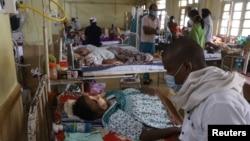 Bệnh nhân COVID-19 bị lây nhiễm nấm đen được chữa trị tại một bệnh viên ở Jabalpur, Ấn Độ, ngày 20/5/2021.