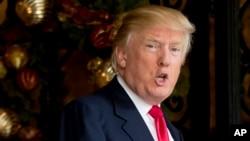"""Trong một dòng tin trên Twitter, ông Trump nói: """"Mỹ phải mạnh mẽ tăng cường và mở rộng khả năng hạt nhân của mình."""""""