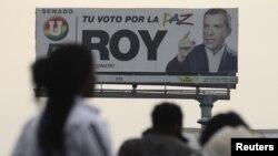 Reklame kandidat legislatif Roy Barreras dari Partai Persatuan Nasional