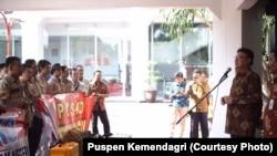 Menteri Dalam Negeri Tjahyo Kumolo Melepas Tim Pendampingan Pemda ke Sulawesi Tengah (Courtesy Puspen Kemendagri)