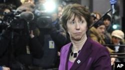 អ្នកស្រី Catherine Ashton ប្រធានគោលនយោបាយការបរទេសនៃសហភាពអឺរ៉ុបអញ្ជើញចូលរួមនៅក្នុងកិច្ចប្រជុំកំពូលសហភាពអឺរ៉ុបមួយនៅទីក្រុងប្រ៊ុស្ស៊ែលកាលពីថ្ងៃទី០៤ខែកុម្ភៈឆ្នាំ២០១១។