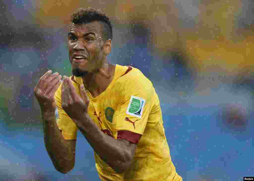 Cameroon's Eric-Maxim Choupo Moting reacts after he scored a goal which was disallowed due to an offside call during their 2014 World Cup Group A soccer match against Mexico at the Dunas arena, in Natal, June 13, 2014.