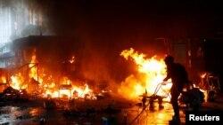 VOA连线(李逸华): 美议员指责港警围困校园作法为制造人道危机