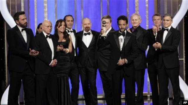 "the cast and crew of ""Argo""Argo Jan. 13, 2013, in Beverly Hills, Calif.  (AP Photo/NBC, Paul"