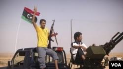 Para milisi Libya masih bertahan di luar ibukota Tripoli, membuat warga sipil merasa terancam (foto: dok).