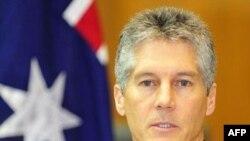 Ngoại trưởng Úc Stephen Smith