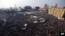 Egipto: Militares prometem eleições para Julho
