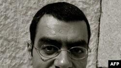 阿拉伯裔美国诗人哈彦•查拉拉