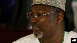 Shugaban Hukumar Zabe ta INEC Farfasa Attahiru Jega a Abuja, Maris 30, 2015.