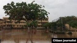 Une école inondée à Luanda en Angola.