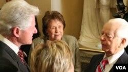 Byrd es también presidente pro tempore del Senado, lo que lo ubica en tercer lugar en línea para la sucesión presidencial.