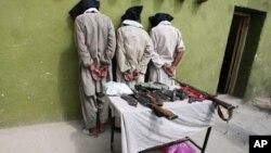 ناټو افغان زندانونو ته د بندیانو انتقال ځنډولی