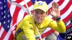 지난 2000년 투르드프랑스 대회 우승 당시의 랜스 암스트롱. (자료사진)