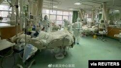武漢醫護人員面臨醫療用品短缺