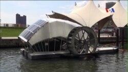 Mỹ dùng bánh xe nước thu gom rác trên sông