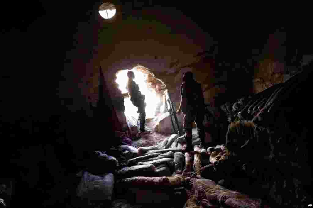 14일 알레포 지역 반군 창고.