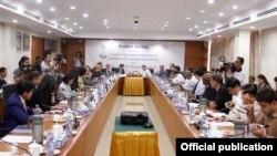 UMFCCI တာဝန္ရွိသူမ်ားႏွင့္ US-ASEAN စီးပြားေရးေကာင္စီ၊ အေမရိကန္စီးပြားေရးလုပ္ငန္းမ်ား ေဆြးေႏြးပြဲ (စက္တင္ဘာ ၃၀၊ ၂၀၁၉) (ခရက္ဒစ္ UMFCCI တရားဝင္ Facebook စာမ်က္ႏွာ)