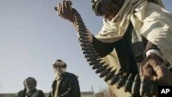 بیکاری عمده ترین عامل پیوستن افراد به گروه طالبان خوانده شده است.