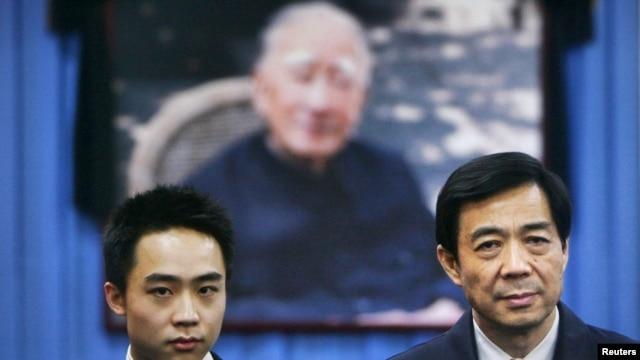 Bo Xilai, right and his son, Bo Guagua (2007 file photo)