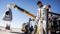 Avusturyalı eski pilot Felix Baumgartner - AP Photo/Red Bull