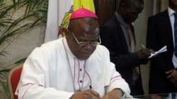 Cardinal Ambongo akebisi bayi politiki kosepela na mpasi ya bana mboka