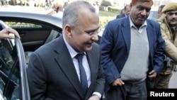 Dubes Pakistan di New Delhi, Salman Bashir (kiri) memenuhi panggilan Kementerian Luar Negeri India hari Rabu (9/1).