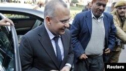 9일 인도 외무부 청사에 도착한 살만 바시르 뉴델리 주재 파키스탄 대사.