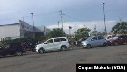 Filas por combustível em Luanda