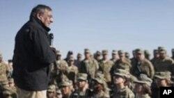 美國國防部長帕內塔到訪阿富汗向美軍官兵發表演說