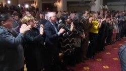 Hillary Clinton reconnait sa défaite devant ses partisans (vidéo)