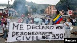 Las protestas antigubernamentales se mantienen en Caracas y en otras ciudades del país.