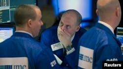 На фото. Фондова біржа у Нью-Йорку.